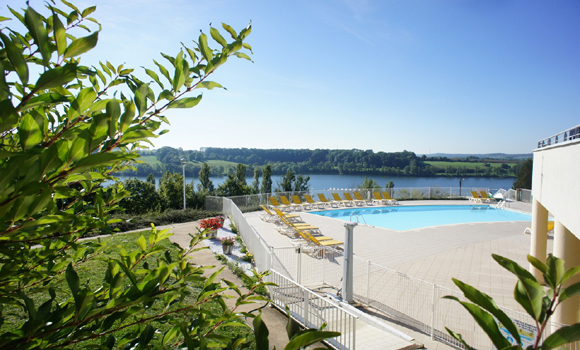 Caravan camping sites in champagne ardenne ardennes aube - Camping sites uk with swimming pools ...