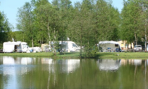 Camping la muree for Camping champagne ardennes avec piscine
