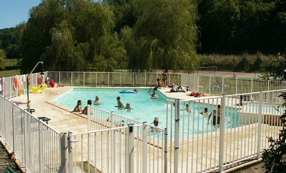 Camping le roquelongue - Camping sites uk with swimming pools ...
