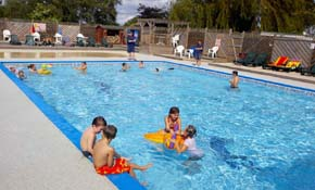 Alberta holiday park - Campsites in kent with swimming pool ...