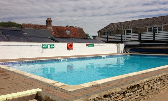 Caravan sites in oxfordshire caravan sites in - Camping sites uk with swimming pools ...